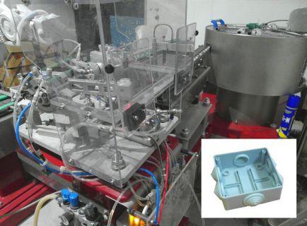 Роботизированная ячейка сборки распаечных коробок