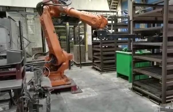"""Робот """"Фруктонад Групп"""" на предприятии Магнезит"""