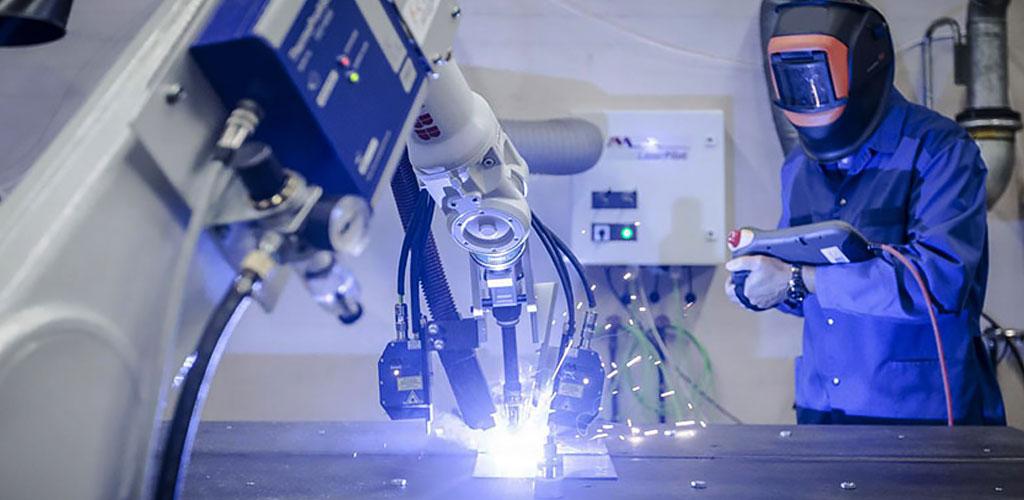 Сварка, резка, наплавка с помощью промышленного робота